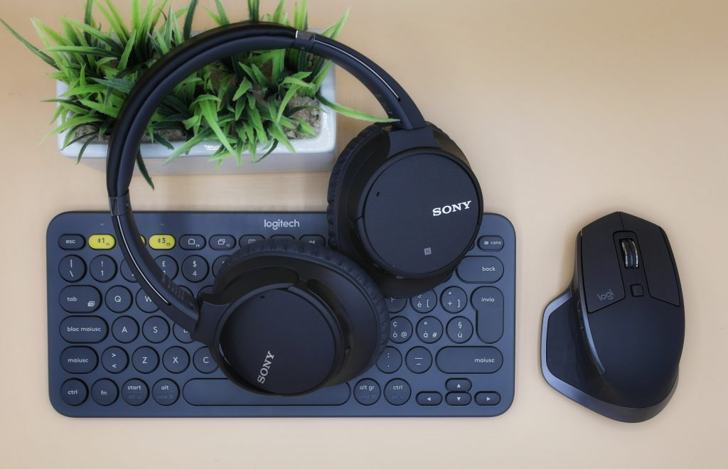Are wireless or wired headphones better for gaming?