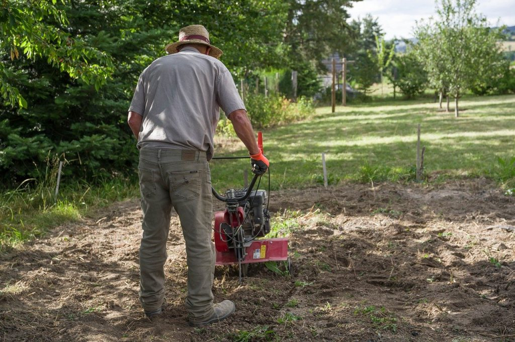 How to Choose Between a Tiller and a Cultivator