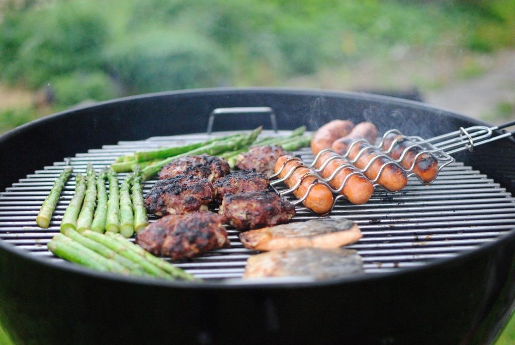 Portable BBQ grills have manageable sizes.