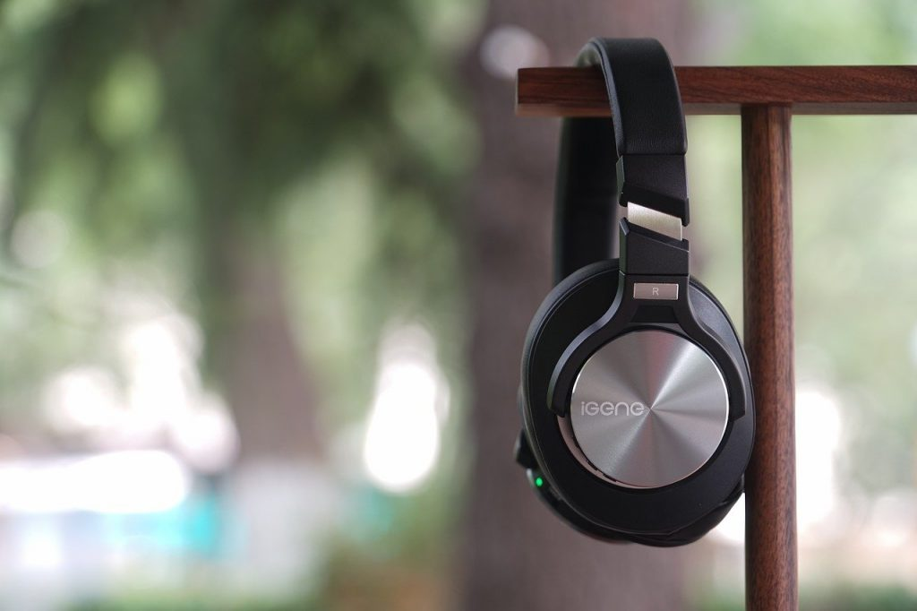 How Do Bluetooth Headphones Work?