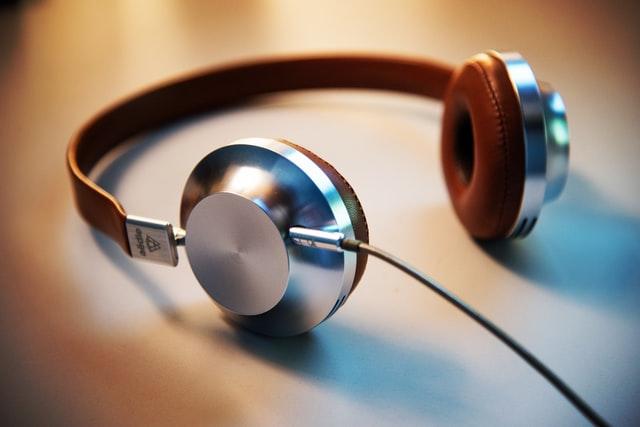 Type of Headphone or Earbud Body