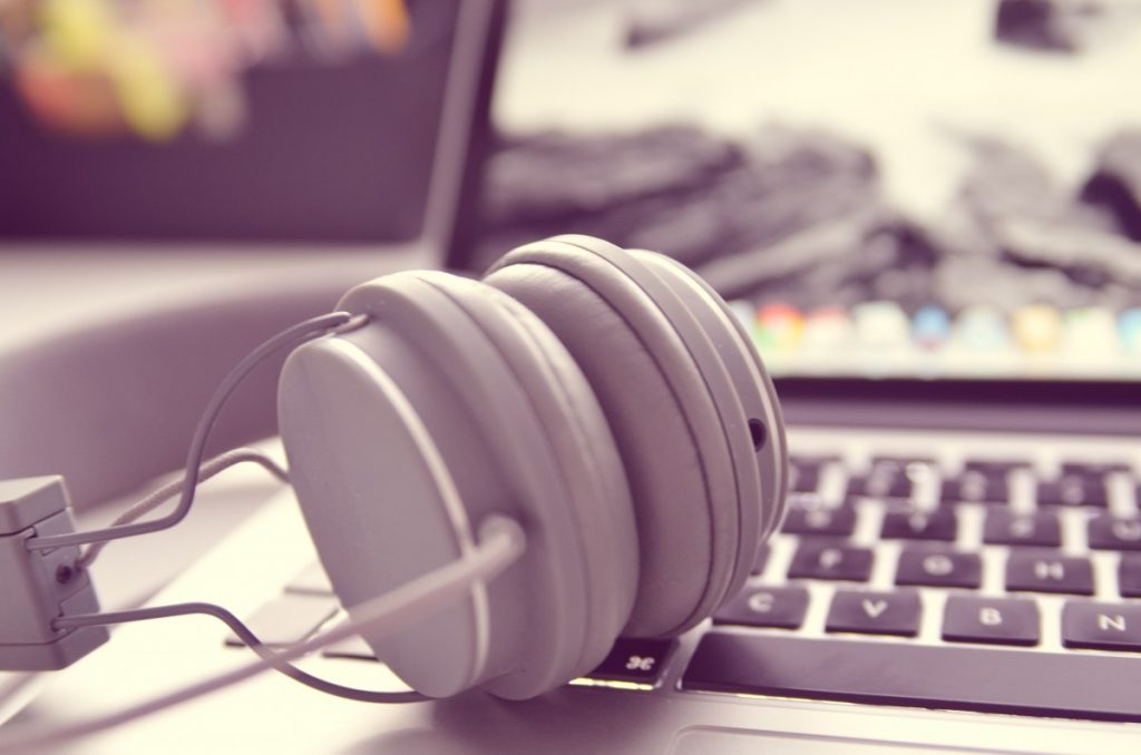 Active noise cancellation headphones 1