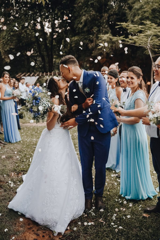 Couple Getting Married: The Difference Between Bridal Shower and Wedding Gift