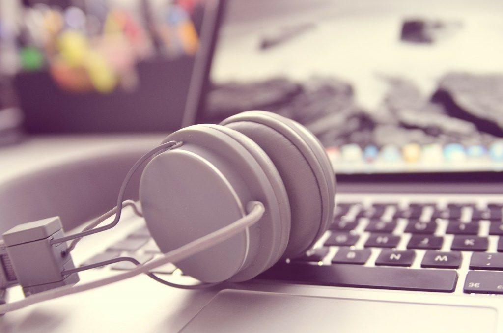 Headphone Setup and Benefits