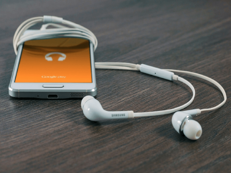 cleaning-your-headphones
